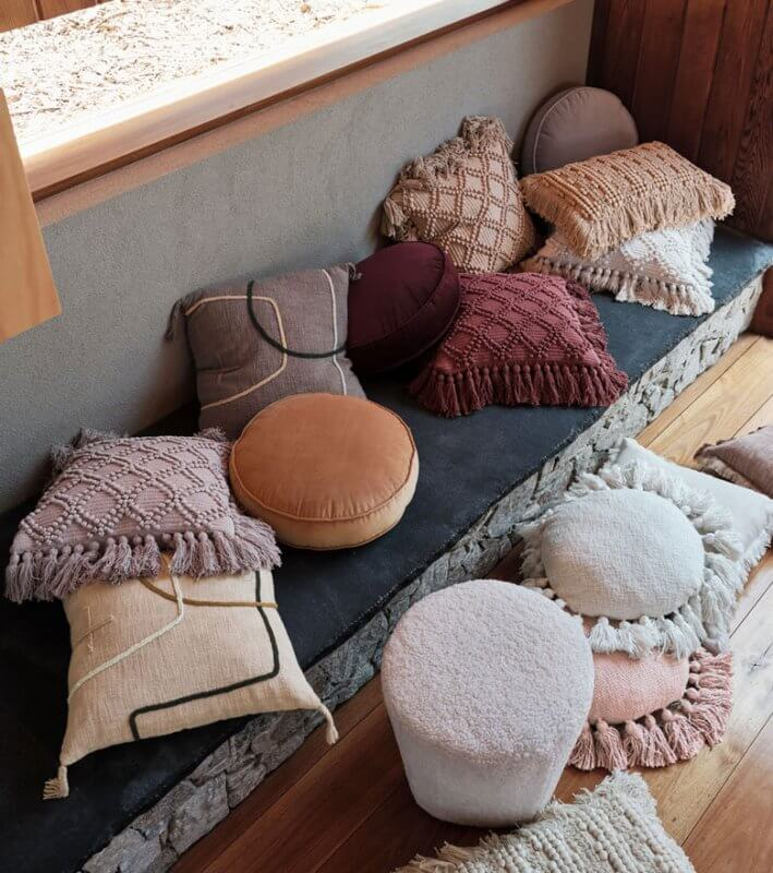 Cushions for Earthy Interior