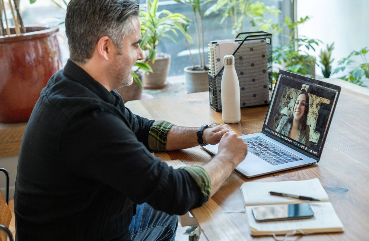 Professional Ergonomist's 11 Tips to Working from Home